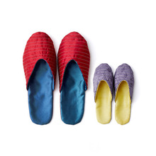 Mom&Baby 누빔 슬리퍼Mom&Baby's traditional quilted silk slipper